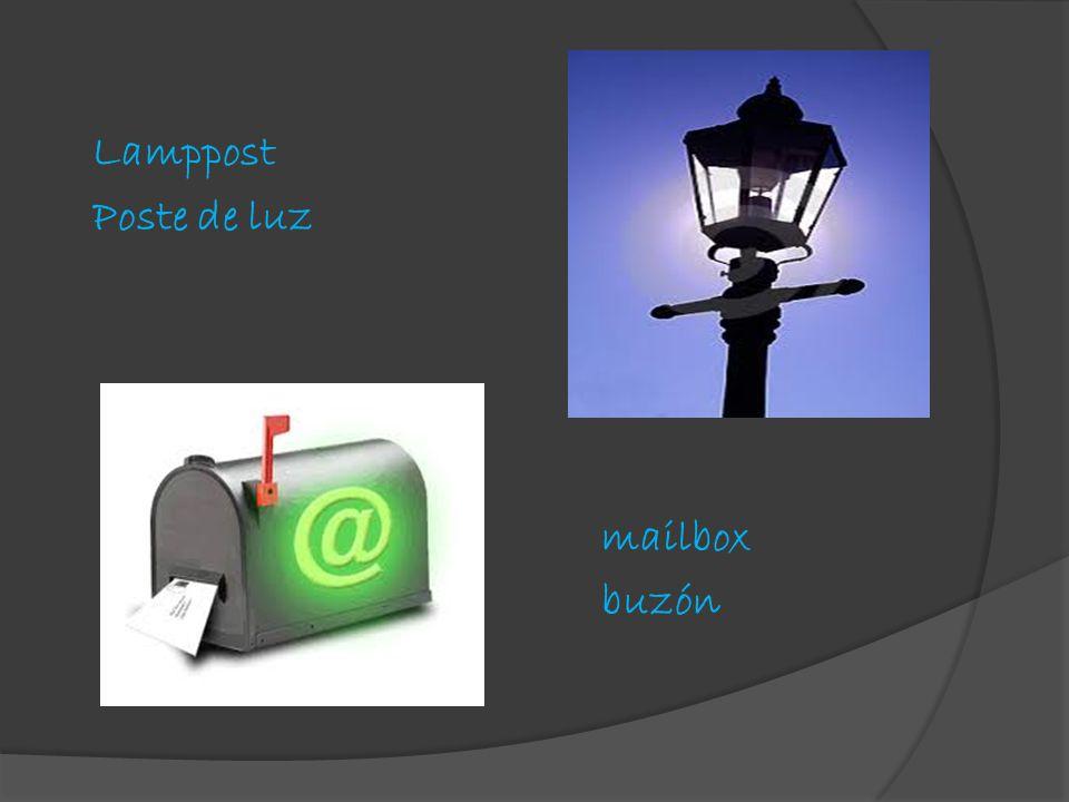 Lamppost Poste de luz mailbox buzón