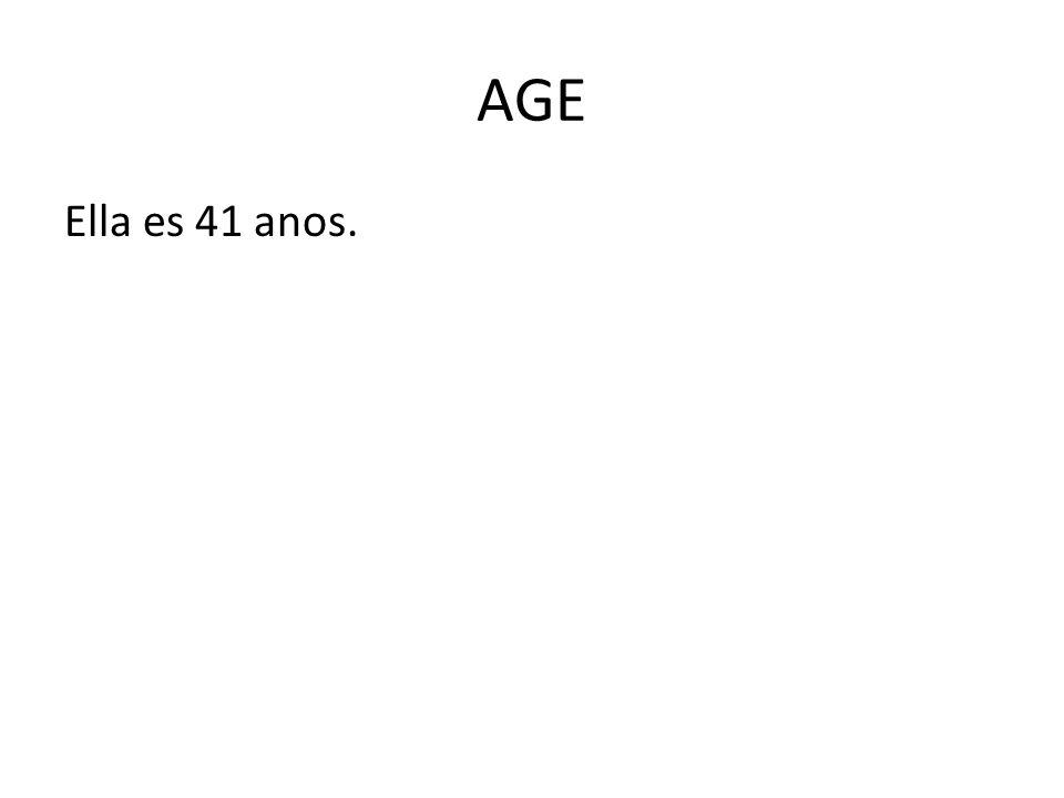 AGE Ella es 41 anos.