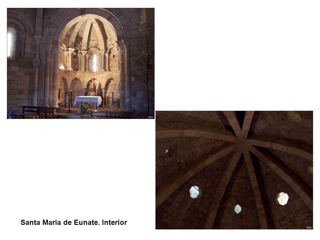 Santa Maria de Eunate. Interior