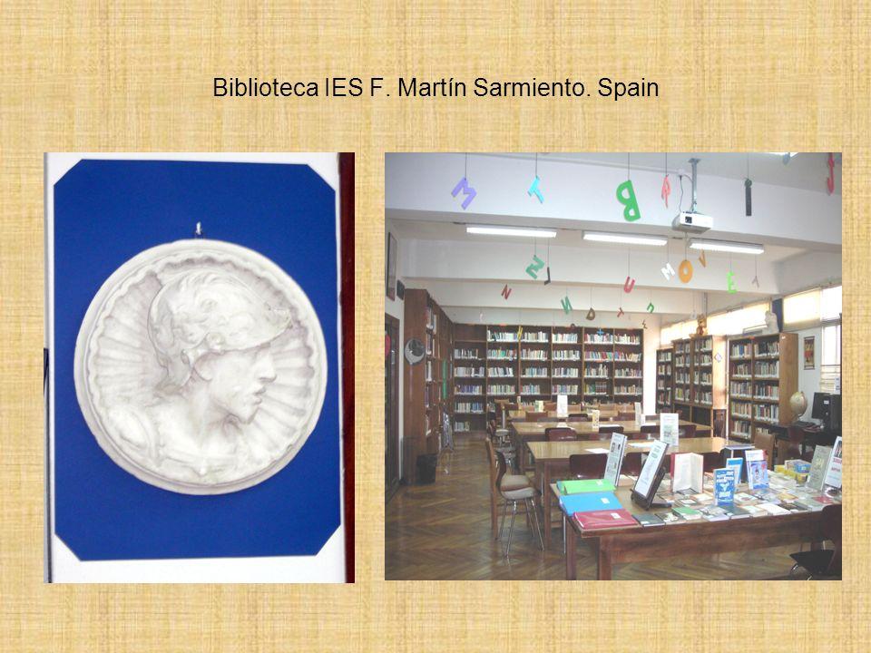 Biblioteca IES Frei Martín Sarmiento Biblioteca IES Frei Martín Sarmiento. Pontevedra.