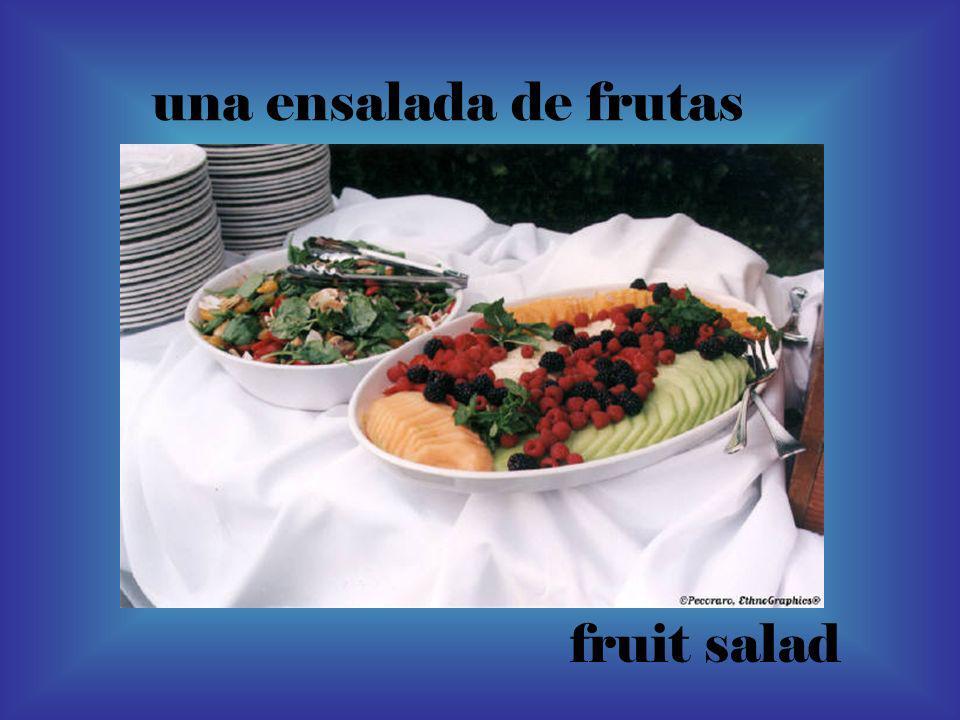 una ensalada de frutas fruit salad