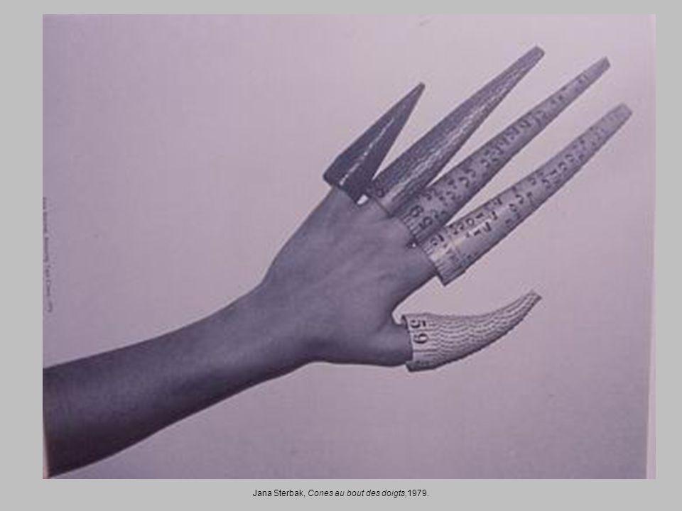 Jana Sterbak, Cones au bout des doigts,1979.