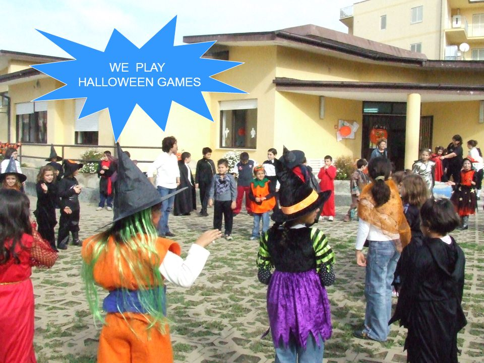WE PLAY HALLOWEEN GAMES