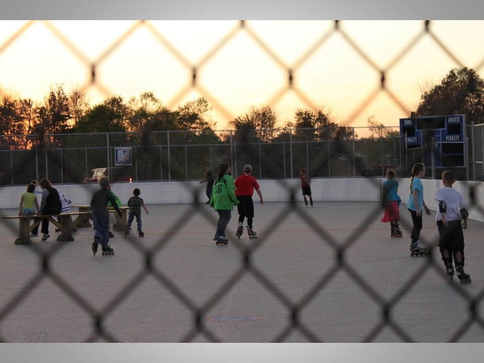 After people ate they hoped onto the rink for free skate.