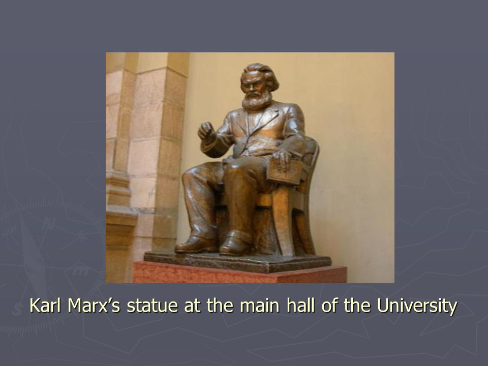 Karl Marxs statue at the main hall of the University