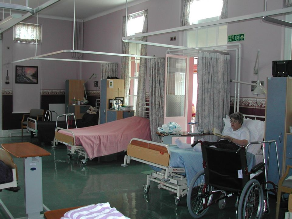 Livingstone Ashford Unit Beccles War Memorial Hospital July 2002 Produced by Eileen Whiting Innovation & Best Practice