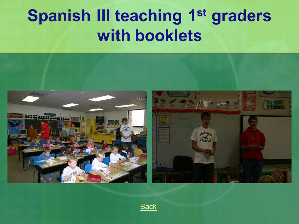 Spanish III teaching 1 st graders with booklets Back