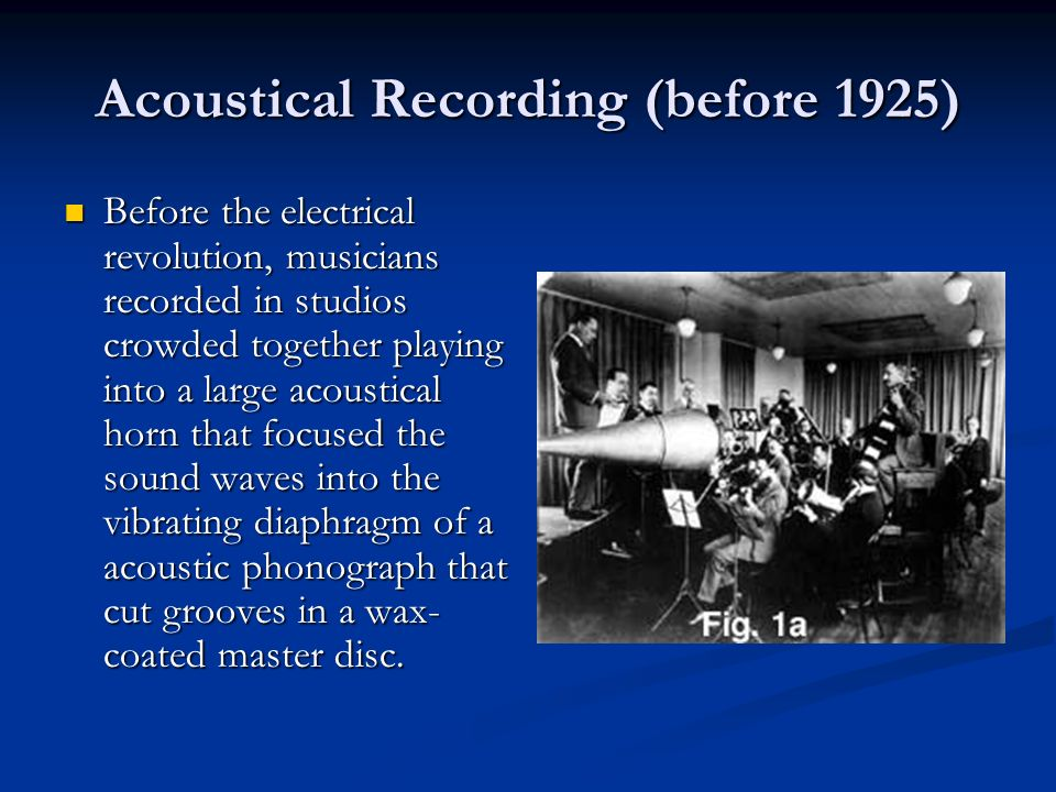 1913 - Edison finally conceded victory to the flat disc when he began to sell the Diamond-Disc players and recordings.