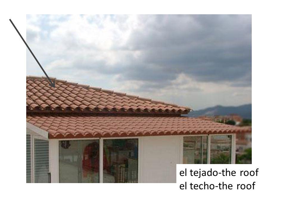 el tejado-the roof el techo-the roof