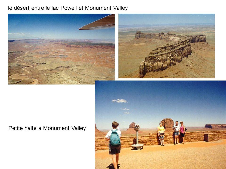 le désert entre le lac Powell et Monument Valley Petite halte à Monument Valley