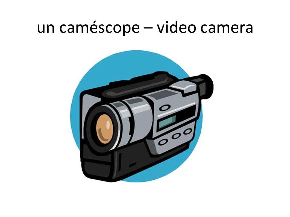un caméscope – video camera