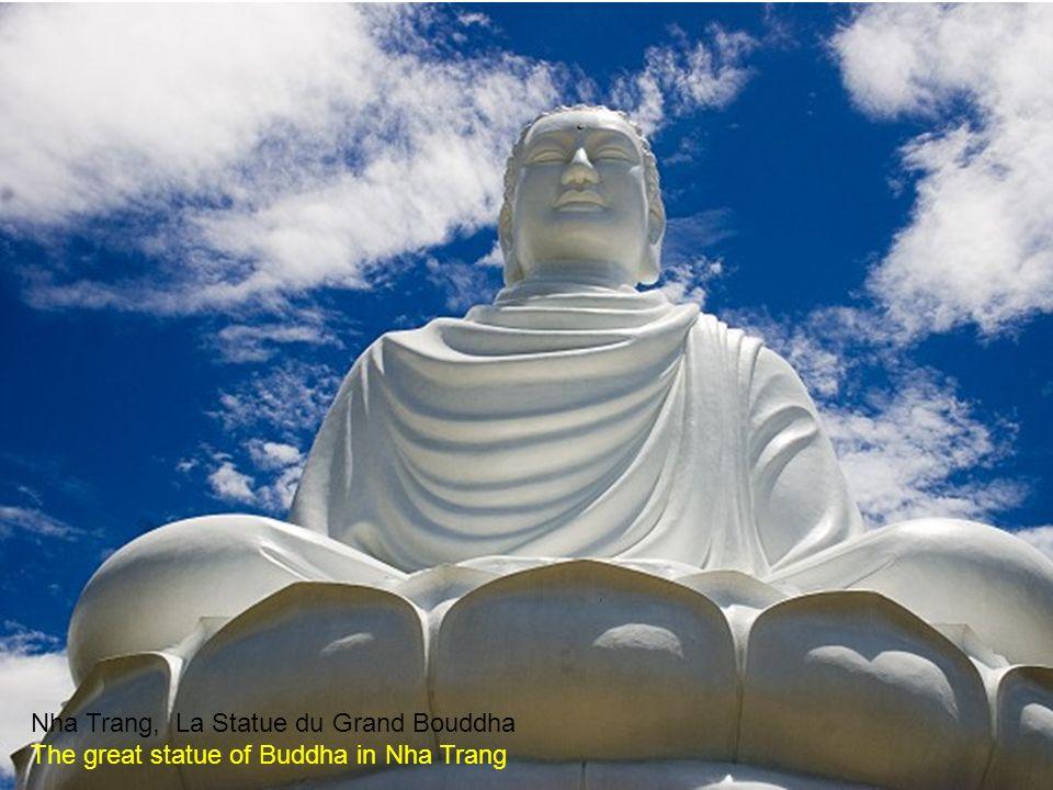 Nha Trang La Pagode et le Grand Bouddha The pagoda and great statue of Buddha in Nha Trang