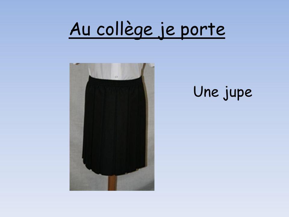 Une jupe Au collège je porte