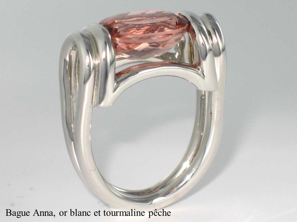 Bague Pythagore, or blanc, saphir et diamants