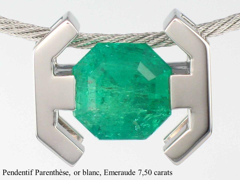 Pendentif Parenthèse, or blanc, Emeraude 7,50 carats