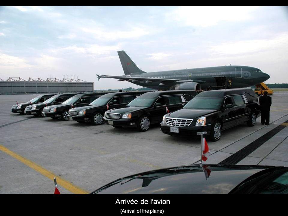 Arrivée de lavion (Arrival of the plane)
