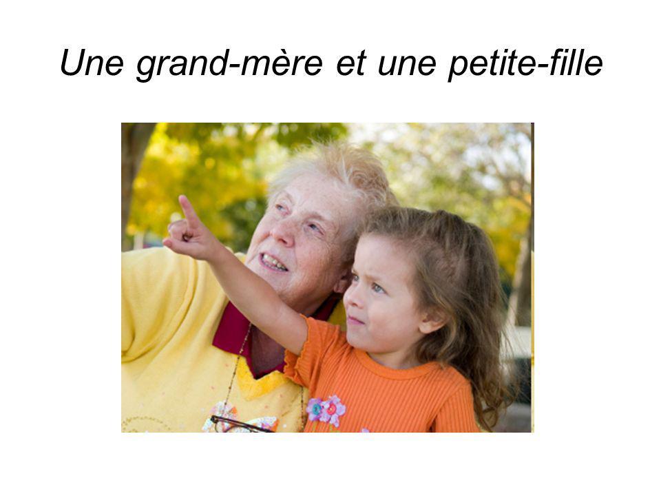 Une grand-mère et une petite-fille