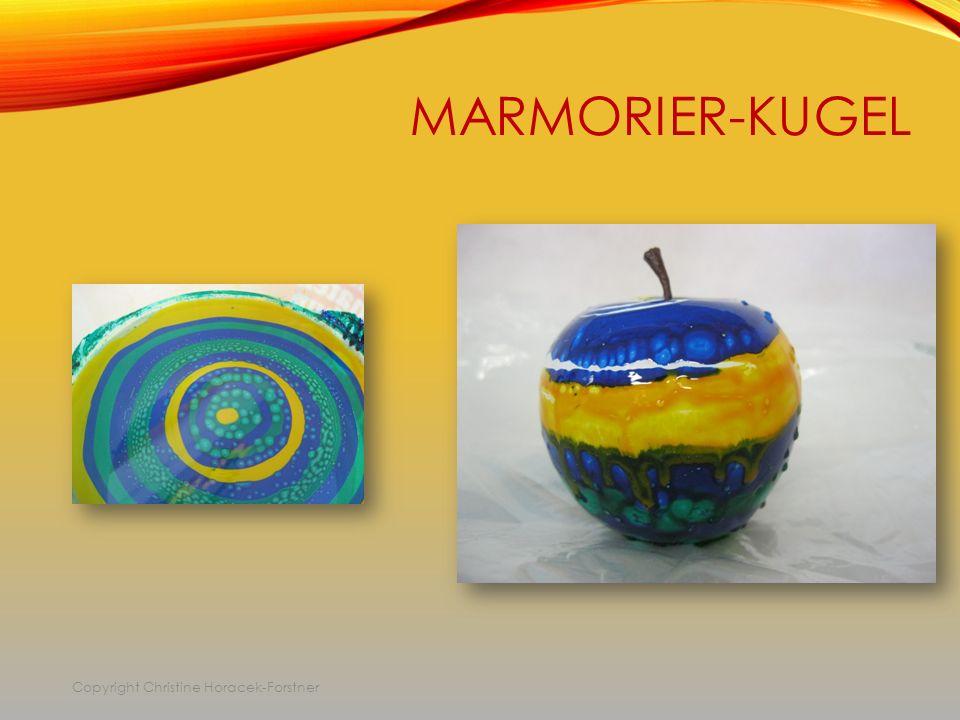 MARMORIER-KUGEL Copyright Christine Horacek-Forstner