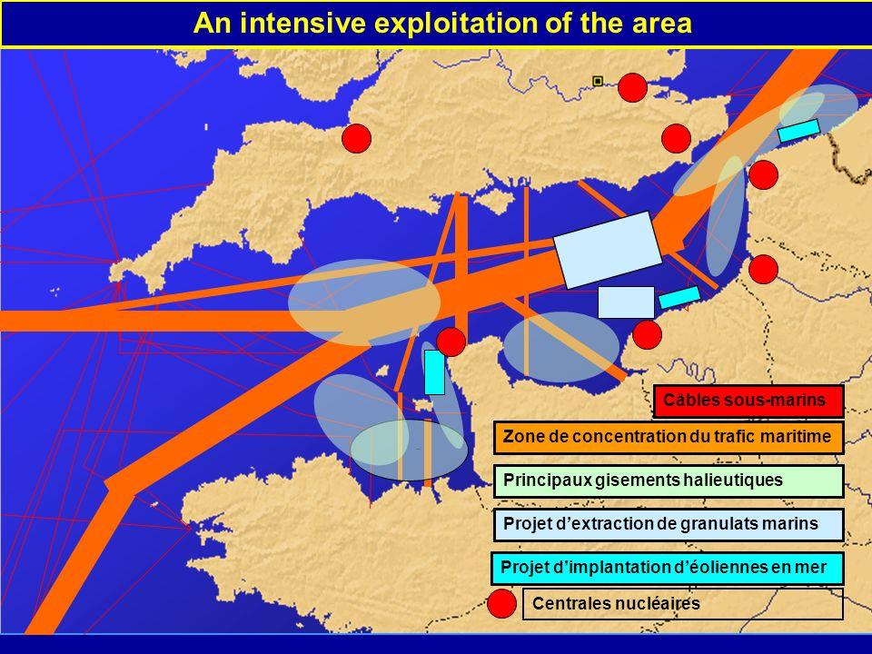 An intensive exploitation of the area Principaux gisements halieutiques Projet dextraction de granulats marins Projet dimplantation déoliennes en mer Zone de concentration du trafic maritime Câbles sous-marins Centrales nucléaires