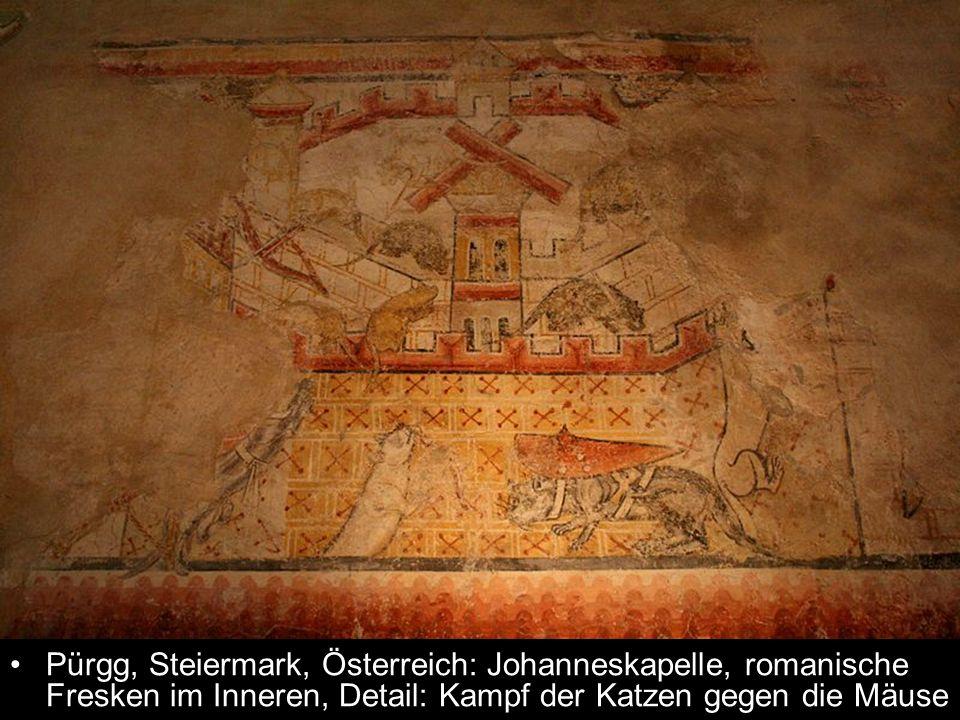 Pürgg, Steiermark, Österreich: Johanneskapelle, romanische Fresken im Inneren, Detail: Kampf der Katzen gegen die Mäuse