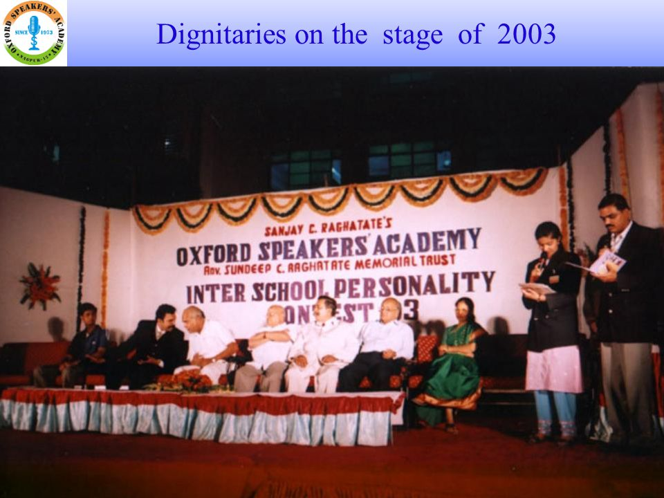 Dignitaries on the stage of 2003
