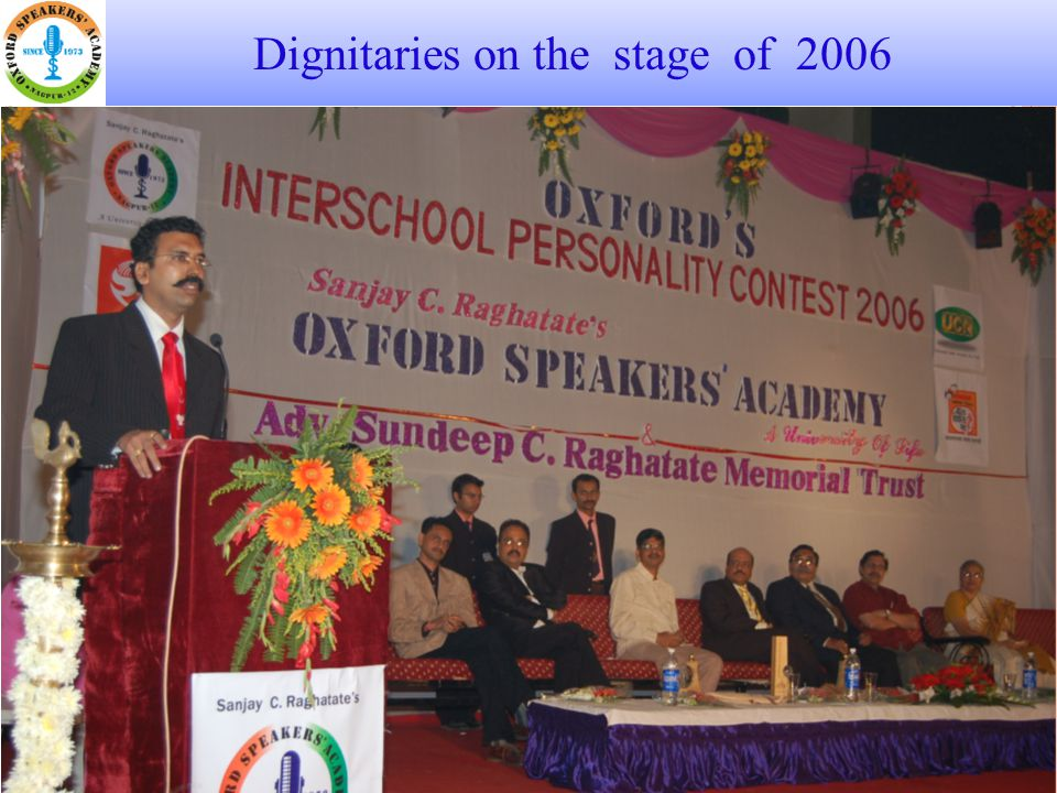 Dignitaries on the stage of 2006