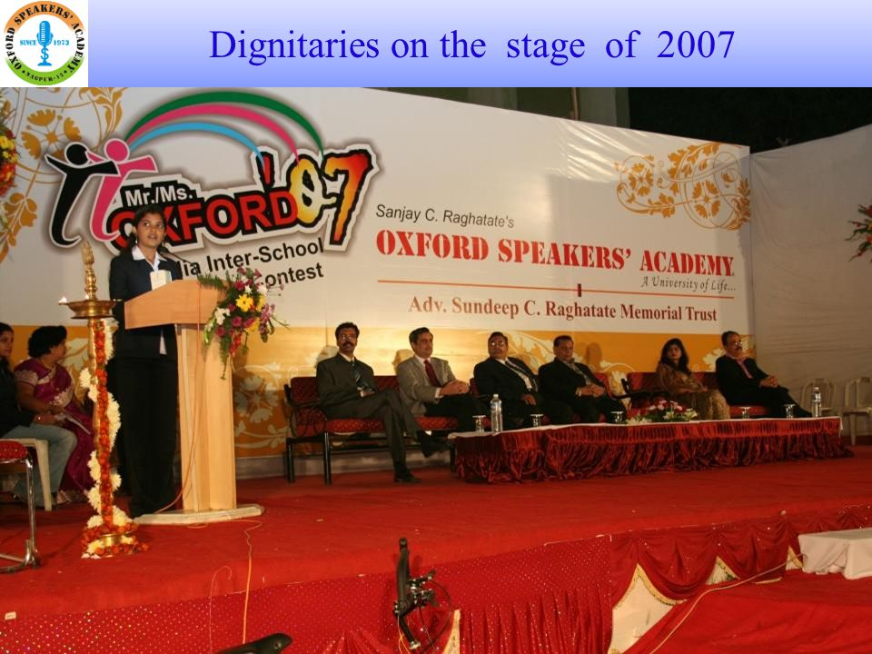 Dignitaries on the stage of 2008