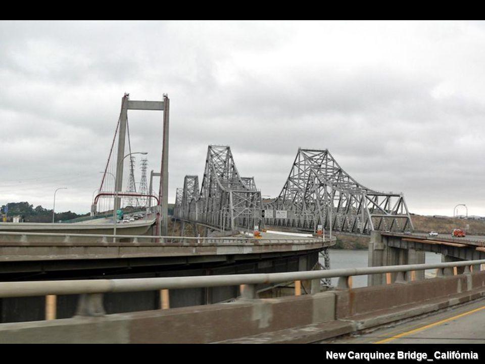 New Carquinez Bridge_ Califórnia
