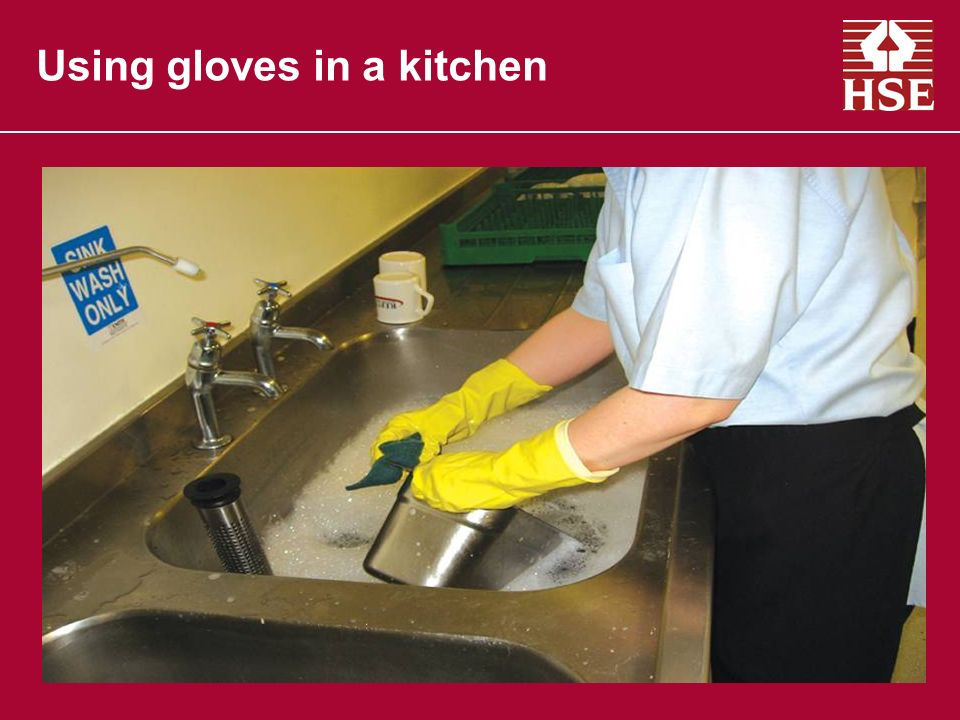 Using gloves in a kitchen