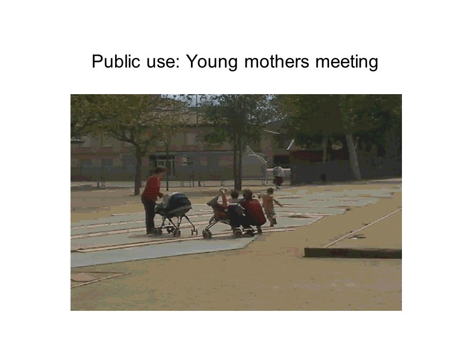 Public use: Young mothers meeting