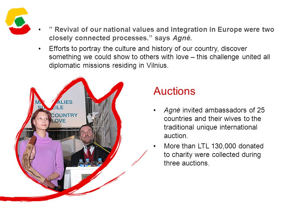 Auctions Agnė invited ambassadors of 25 countries and their wives to the traditional unique international auction.