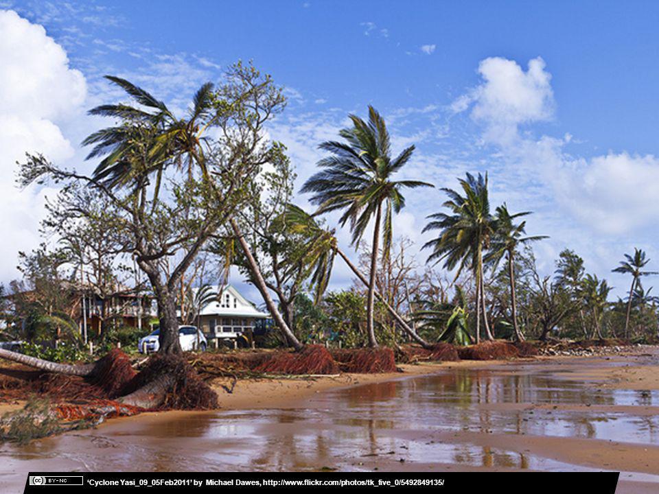Cyclone Yasi_09_05Feb2011 by Michael Dawes, http://www.flickr.com/photos/tk_five_0/5492849135/