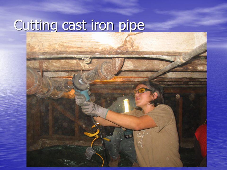 Cutting cast iron pipe