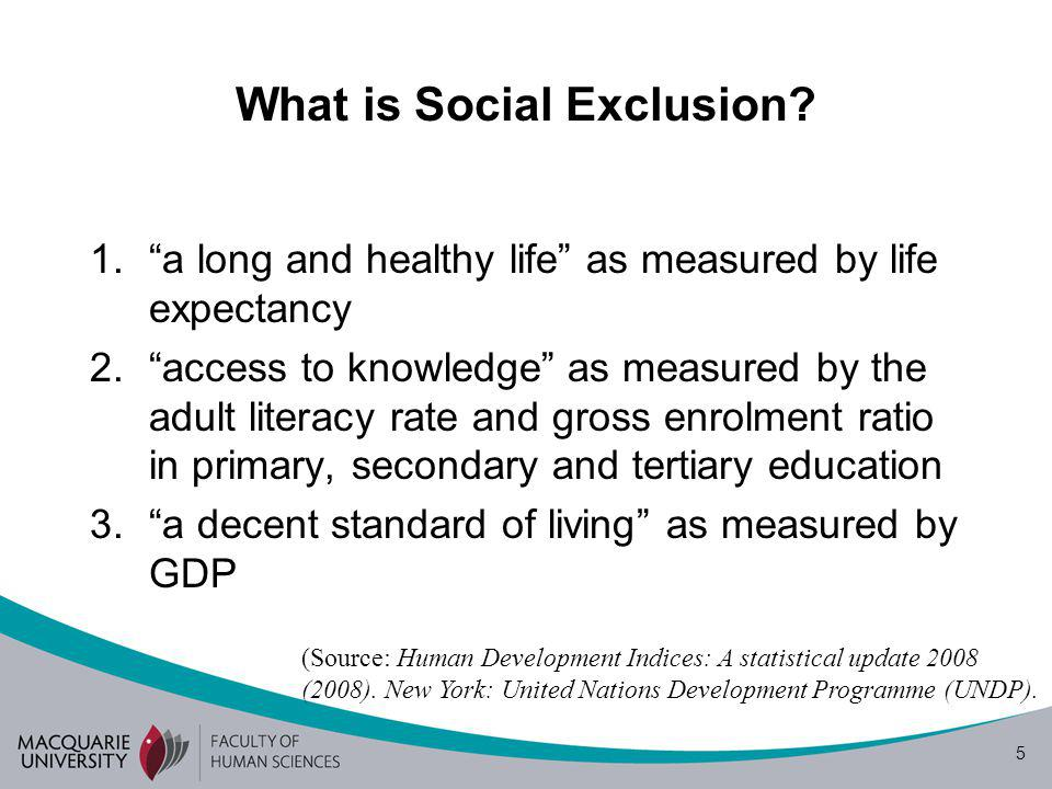 6 Outline 1.The Social Inclusion agenda 2.Language and social exclusion: Early developments 3.Language proficiency and social exclusion: Australian case-study 1.English proficiency and access to the primary labor market 2.Misrecognition of labor market segregation as language and culture-related 4.Implications for the field