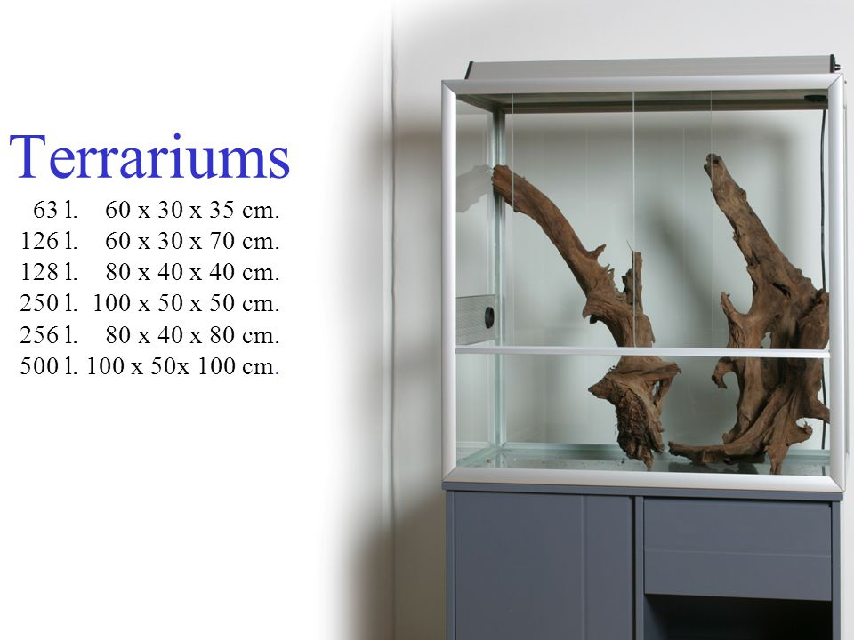 Design and functionality Sublime design Easy access to the aquarium Waterproof Strong Large quantity of light Extension possibilities