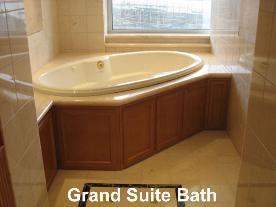 Grand Suite Bath