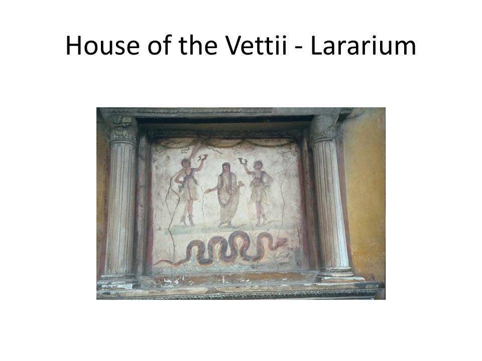 House of the Vettii - Lararium