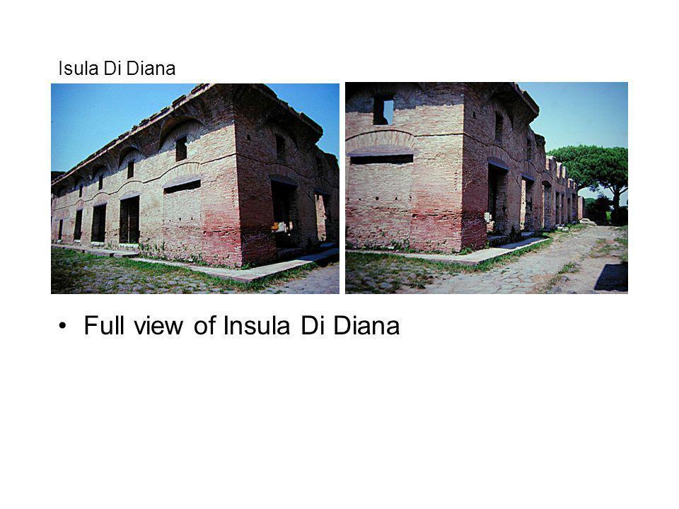 Isula Di Diana Full view of Insula Di Diana