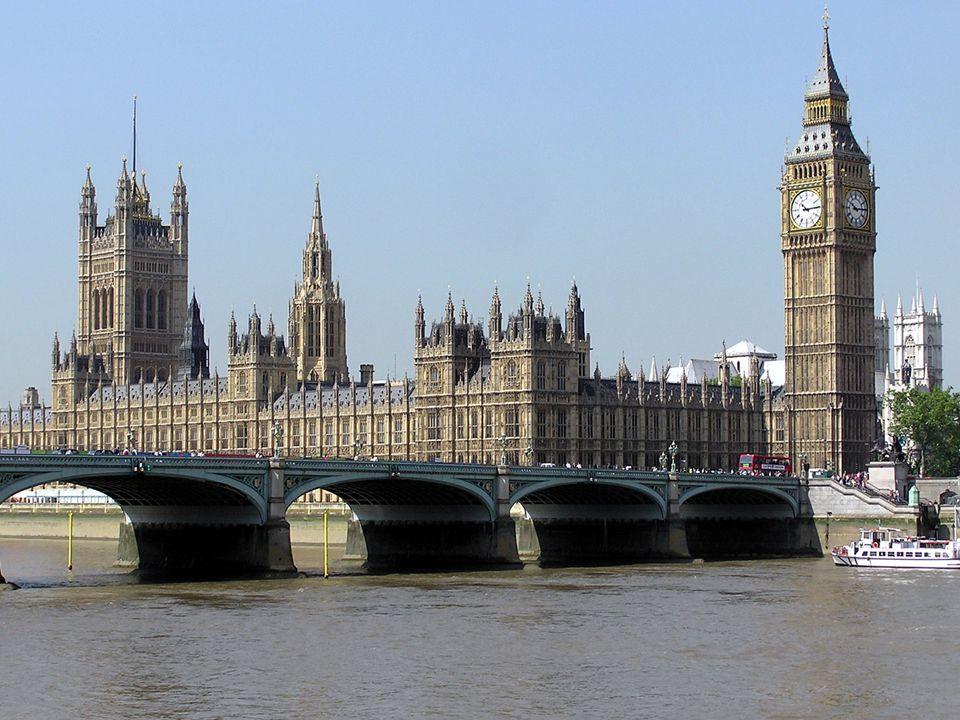 to gather собираться palace дворец riverside берег реки to exist существовать government правительство reign царствование imposing внушительный, импозантный House of Commons Палата общин over над