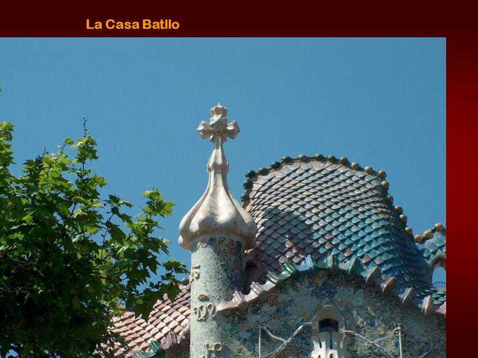 Güell house is the first important building of Gaudi in the city of Barcelona