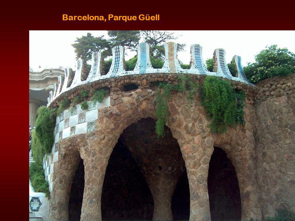 Gaudi parc seats