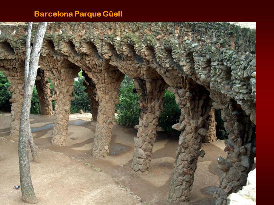The grand entrance to Gaudi s estate
