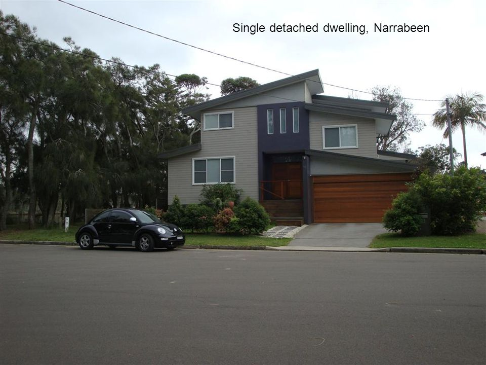 Medium rise residential flat building, Narrabeen
