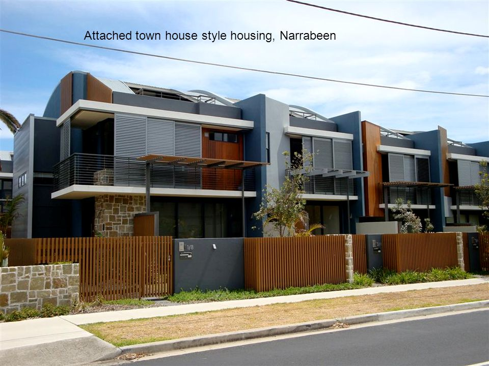 Attached town house style housing, Narrabeen