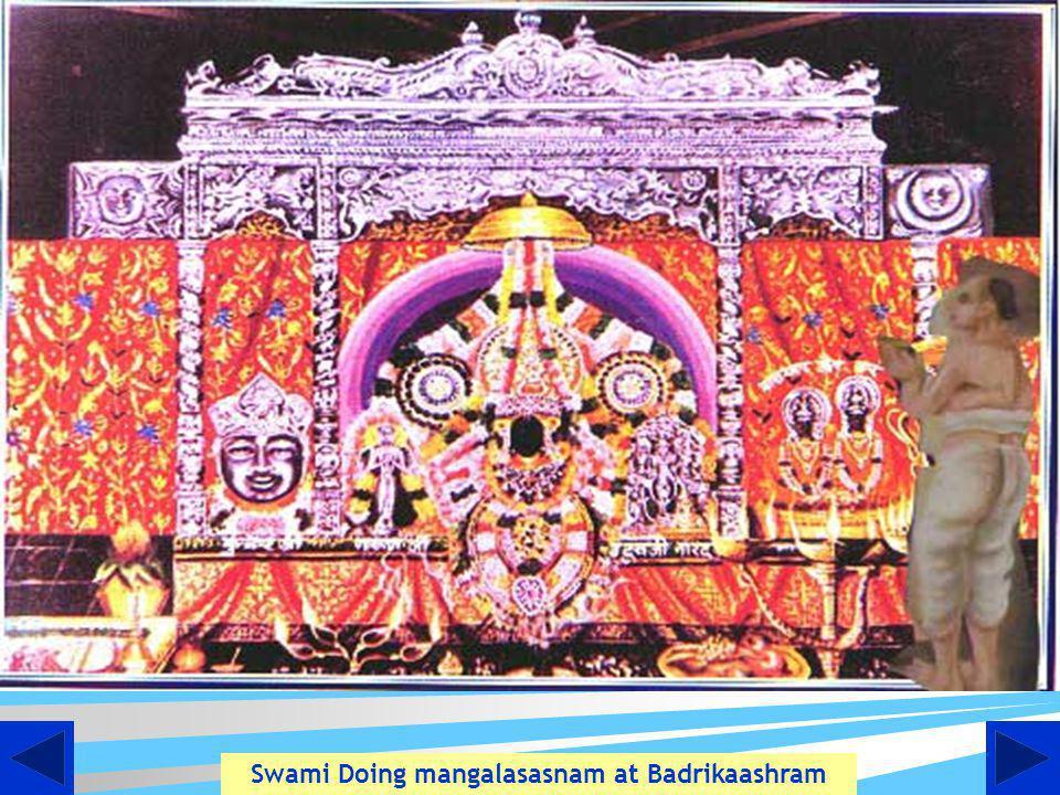 Swami Doing mangalasasnam at Badrikaashram
