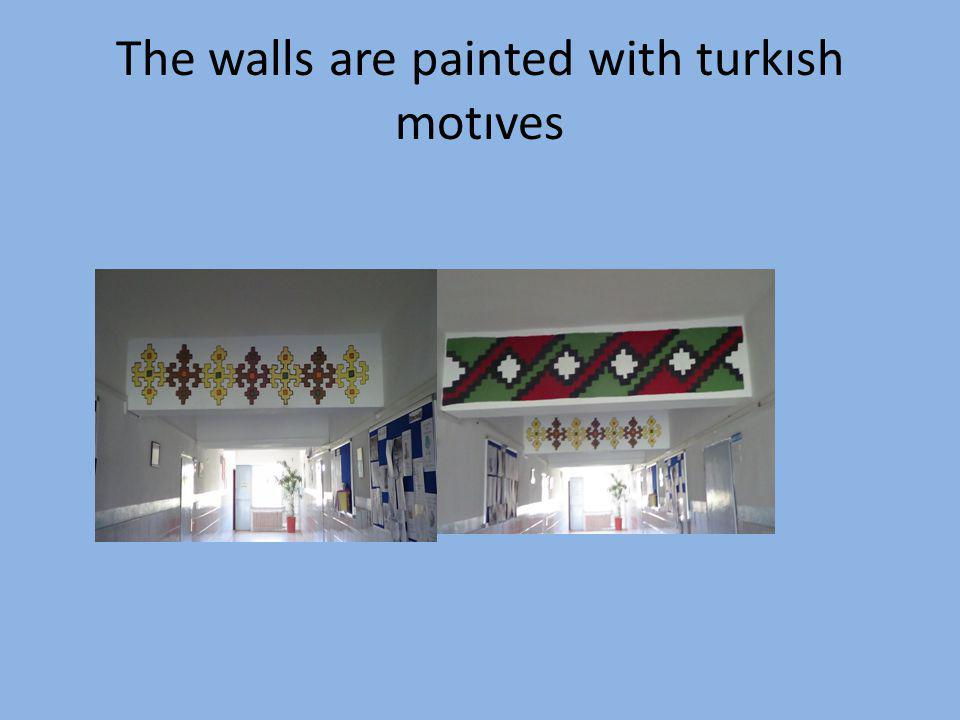The walls are painted with turkısh motıves
