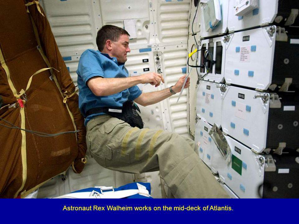 Atlantis Commander Chris Ferguson (left) and Pilot Doug Hurley.