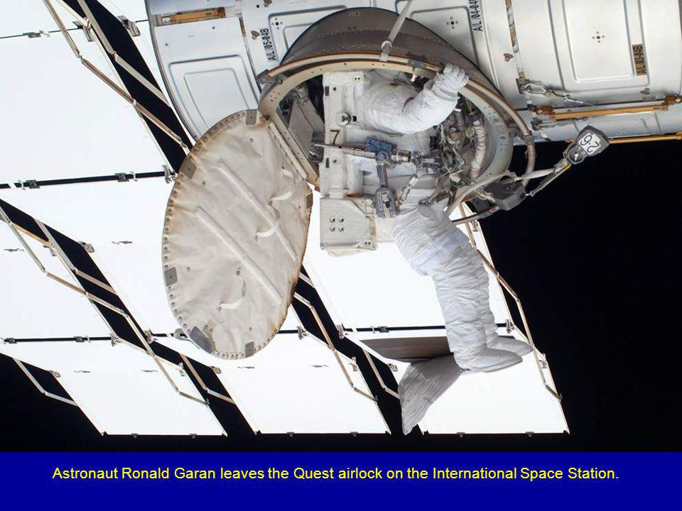 Astronaut Sandy Magnus gets one last visit to the Cupola on board the International Space Station before the two spacecraft undocked on July 18, 2011.