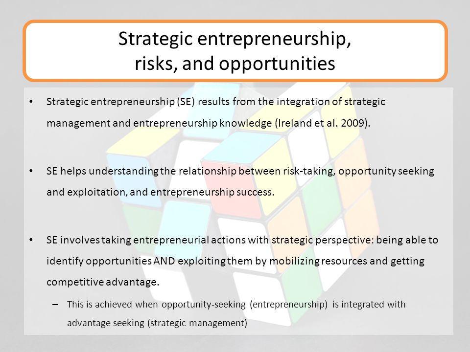 Strategic entrepreneurship (SE) results from the integration of strategic management and entrepreneurship knowledge (Ireland et al. 2009). SE helps un