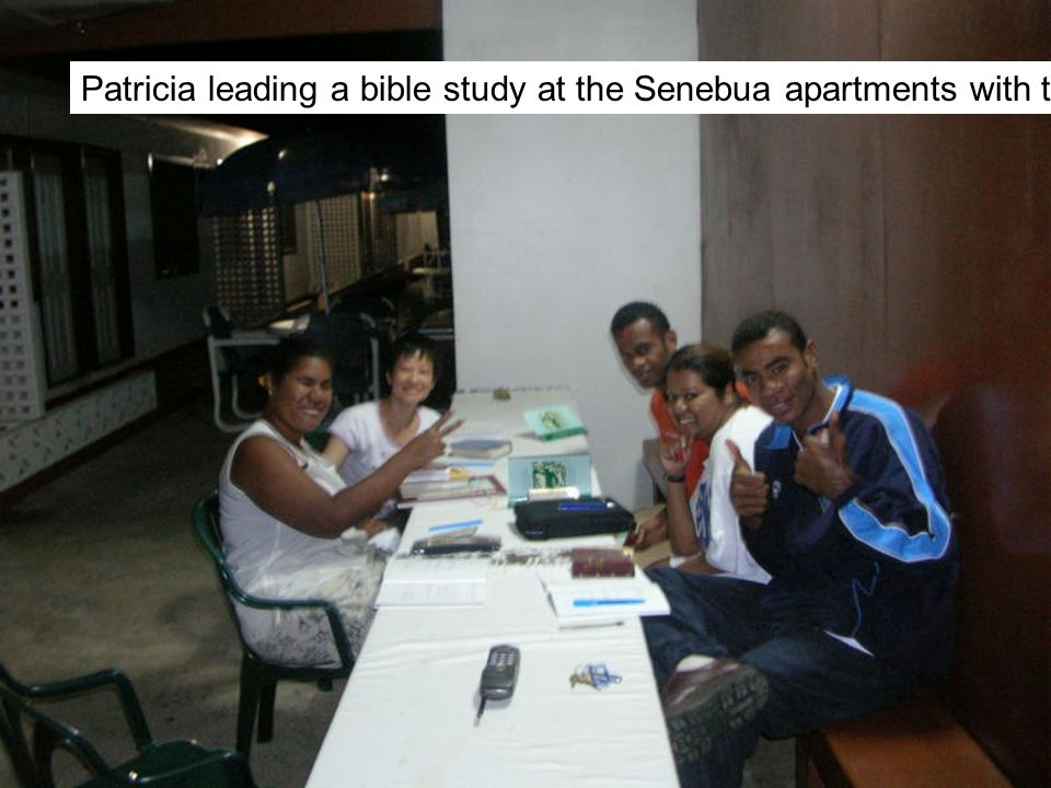 Patricia leading a bible study at the Senebua apartments with three Fijians